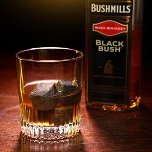 ba37_whiskey_stones2_inuse